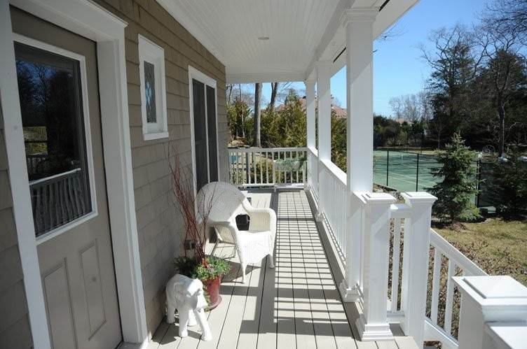 18. Single Family Homes at Close To Southampton Village With Pool And Tennis Southampton, Southampton Town, NY 11968