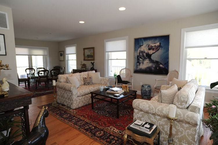 6. Single Family Homes at Close To Southampton Village With Pool And Tennis Southampton, Southampton Town, NY 11968