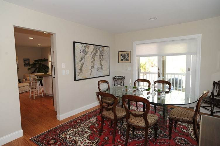 8. Single Family Homes at Close To Southampton Village With Pool And Tennis Southampton, Southampton Town, NY 11968