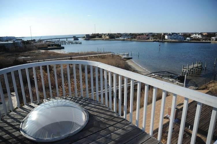 14. Single Family Homes at Summer Living Between The Bridges Westhampton Beach Village, Southampton Town, NY 11978