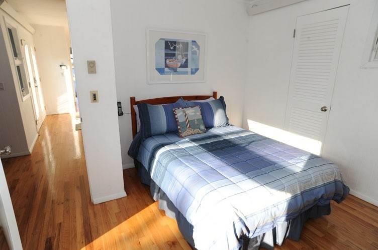 20. Single Family Homes at Summer Living Between The Bridges Westhampton Beach Village, Southampton Town, NY 11978