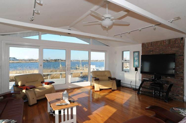 5. Single Family Homes at Summer Living Between The Bridges Westhampton Beach Village, Southampton Town, NY 11978