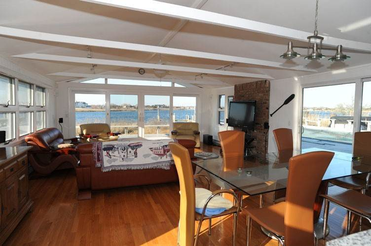 6. Single Family Homes at Summer Living Between The Bridges Westhampton Beach Village, Southampton Town, NY 11978