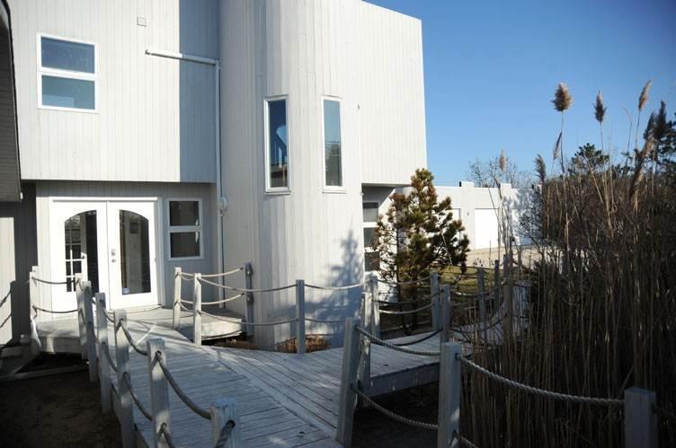 10. Single Family Homes at Summer Living Between The Bridges Westhampton Beach Village, Southampton Town, NY 11978