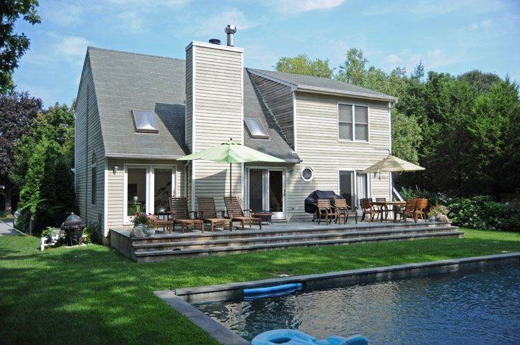 Single Family Homes at Traditional East Hampton - Close To All East Hampton, East Hampton Town, NY 11937