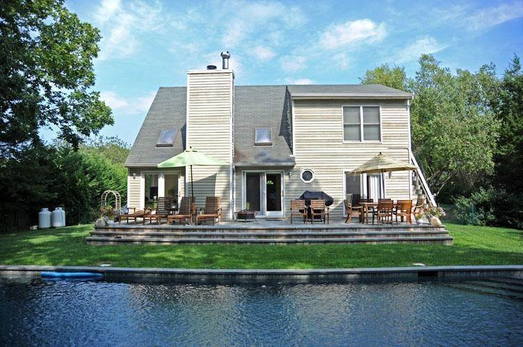 17. Single Family Homes at Traditional East Hampton - Close To All East Hampton, East Hampton Town, NY 11937