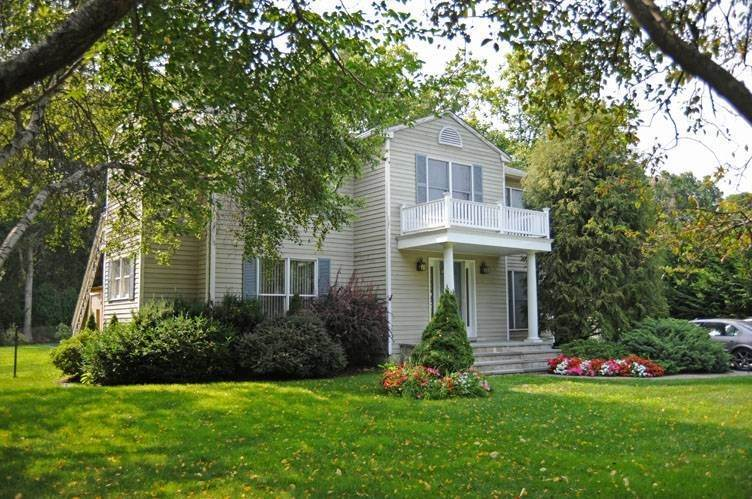 4. Single Family Homes at Traditional East Hampton - Close To All East Hampton, East Hampton Town, NY 11937