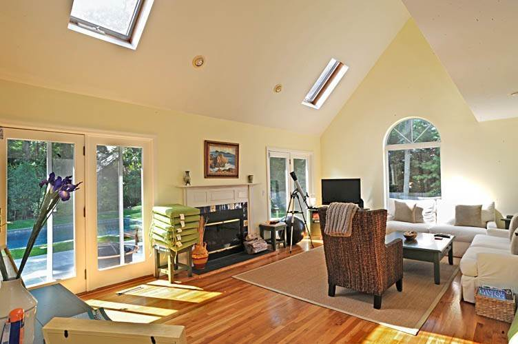 7. Single Family Homes at Traditional East Hampton - Close To All East Hampton, East Hampton Town, NY 11937