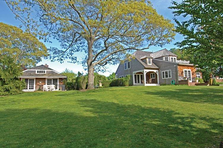 2. Single Family Homes at East Hampton Village Gem East Hampton, East Hampton Town, NY 11937