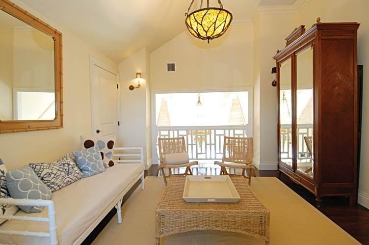15. Single Family Homes at East Hampton Village Gem East Hampton, East Hampton Town, NY 11937