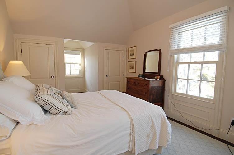 21. Single Family Homes at East Hampton Village Gem East Hampton, East Hampton Town, NY 11937