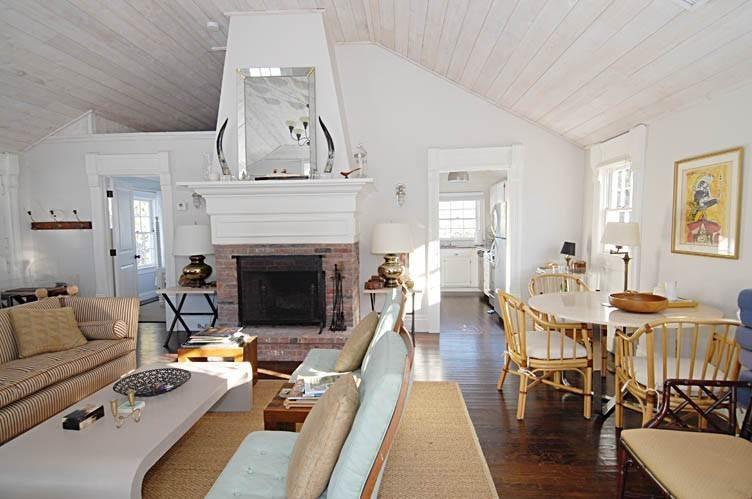 22. Single Family Homes at East Hampton Village Gem East Hampton, East Hampton Town, NY 11937