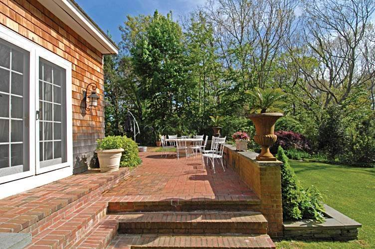 6. Single Family Homes at East Hampton Village Gem East Hampton, East Hampton Town, NY 11937