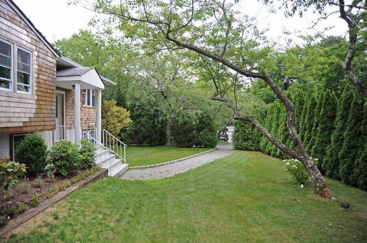 2. Single Family Homes for Sale at Southampton Beach House Southampton, Southampton Town, NY 11968
