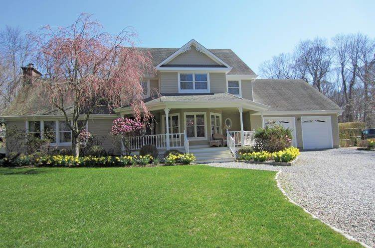 Single Family Homes at Year Round -Heated Pool With Lots Of Privacy Southampton, Southampton Town, NY 11968