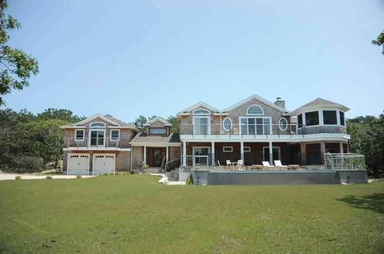 Single Family Homes at Spectacular Sunsets Montauk, East Hampton Town, NY 11930