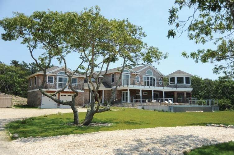 2. Single Family Homes at Spectacular Sunsets Montauk, East Hampton Town, NY 11930