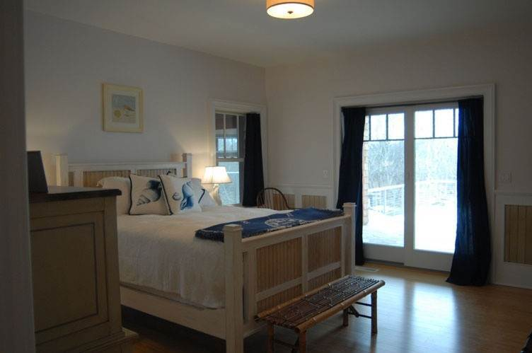 11. Single Family Homes at Spectacular Sunsets Montauk, East Hampton Town, NY 11930
