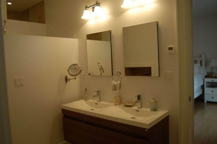 13. Single Family Homes at Spectacular Sunsets Montauk, East Hampton Town, NY 11930