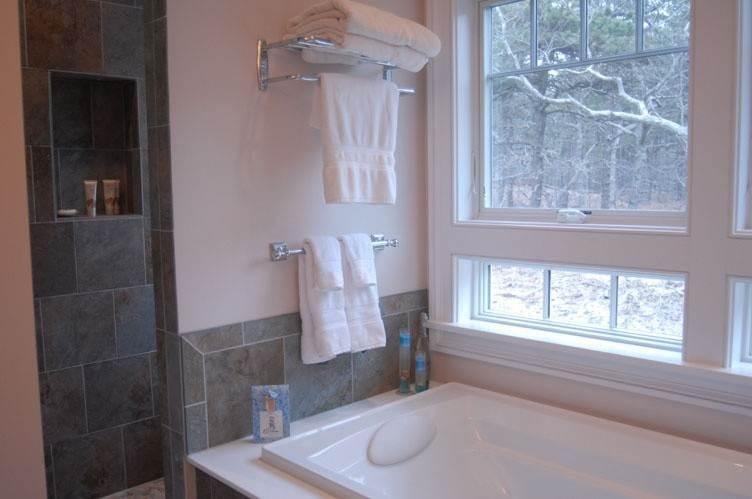 18. Single Family Homes at Spectacular Sunsets Montauk, East Hampton Town, NY 11930