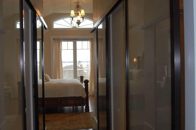 8. Single Family Homes at Spectacular Sunsets Montauk, East Hampton Town, NY 11930