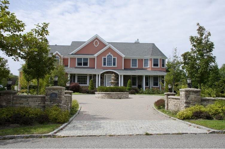 Single Family Homes at Resort Like In Southampton Southampton, Southampton Town, NY 11968