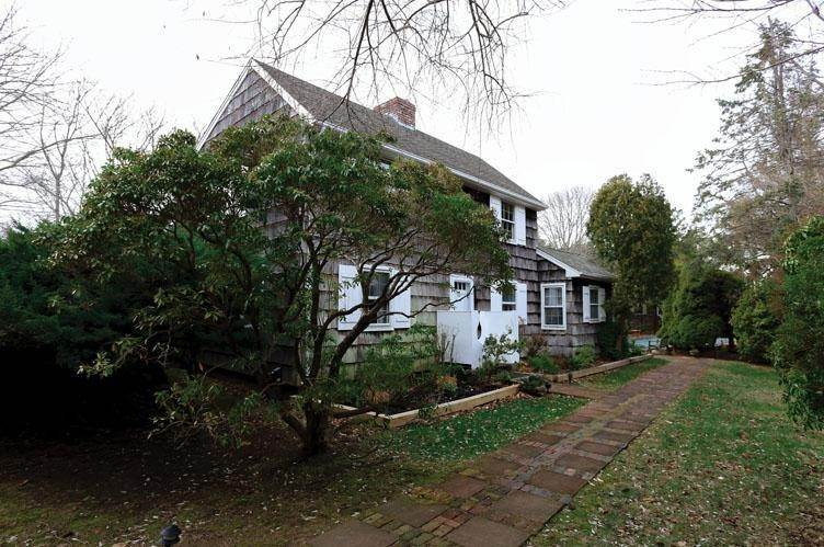 2. Single Family Homes at South Of The Highway In Amagansett Amagansett, East Hampton Town, NY 11930