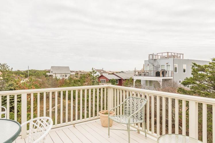 3. Single Family Homes at Contemporary With Oceanviews In Amagansett Napeague, East Hampton Town, NY 11930