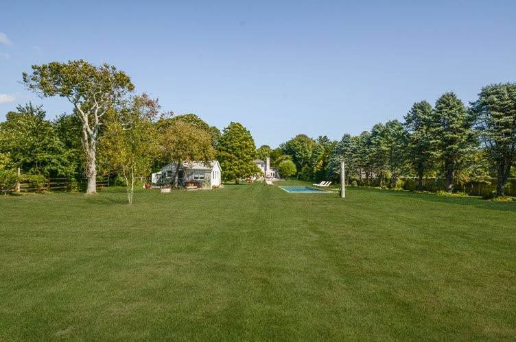 23. Single Family Homes at Wainscott South Compound - Main House & Separate Guest Cottage Wainscott, East Hampton Town, NY 11975