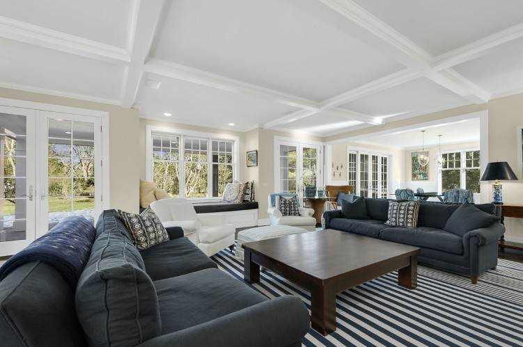2. Single Family Homes at Beautiful Village Lane - 2 Weeks East Hampton, East Hampton Town, NY 11937
