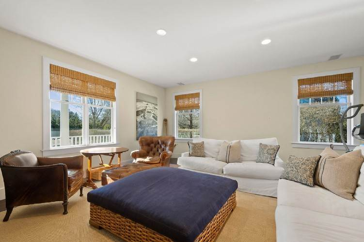 6. Single Family Homes at Beautiful Village Lane - 2 Weeks East Hampton, East Hampton Town, NY 11937